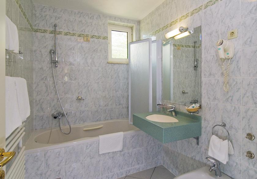 standard dvokrevetna soba 2
