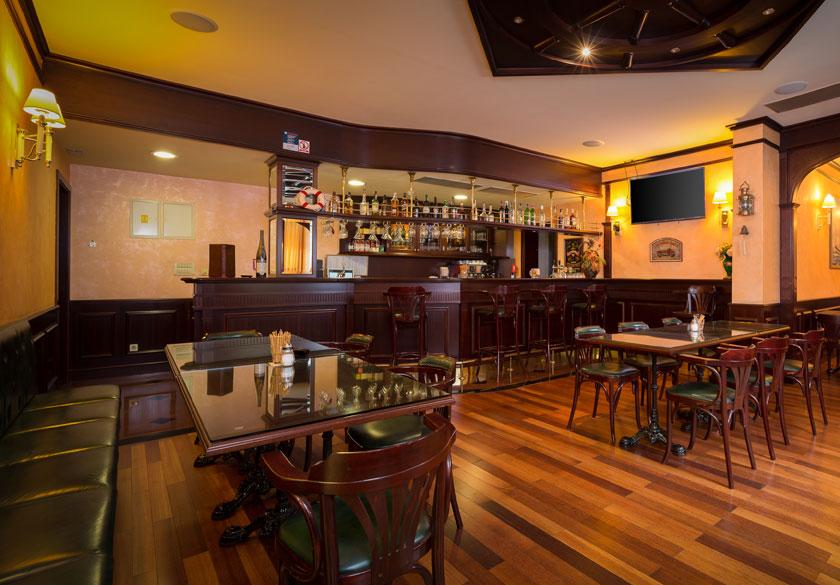 Baška Voda Hotel restaurant
