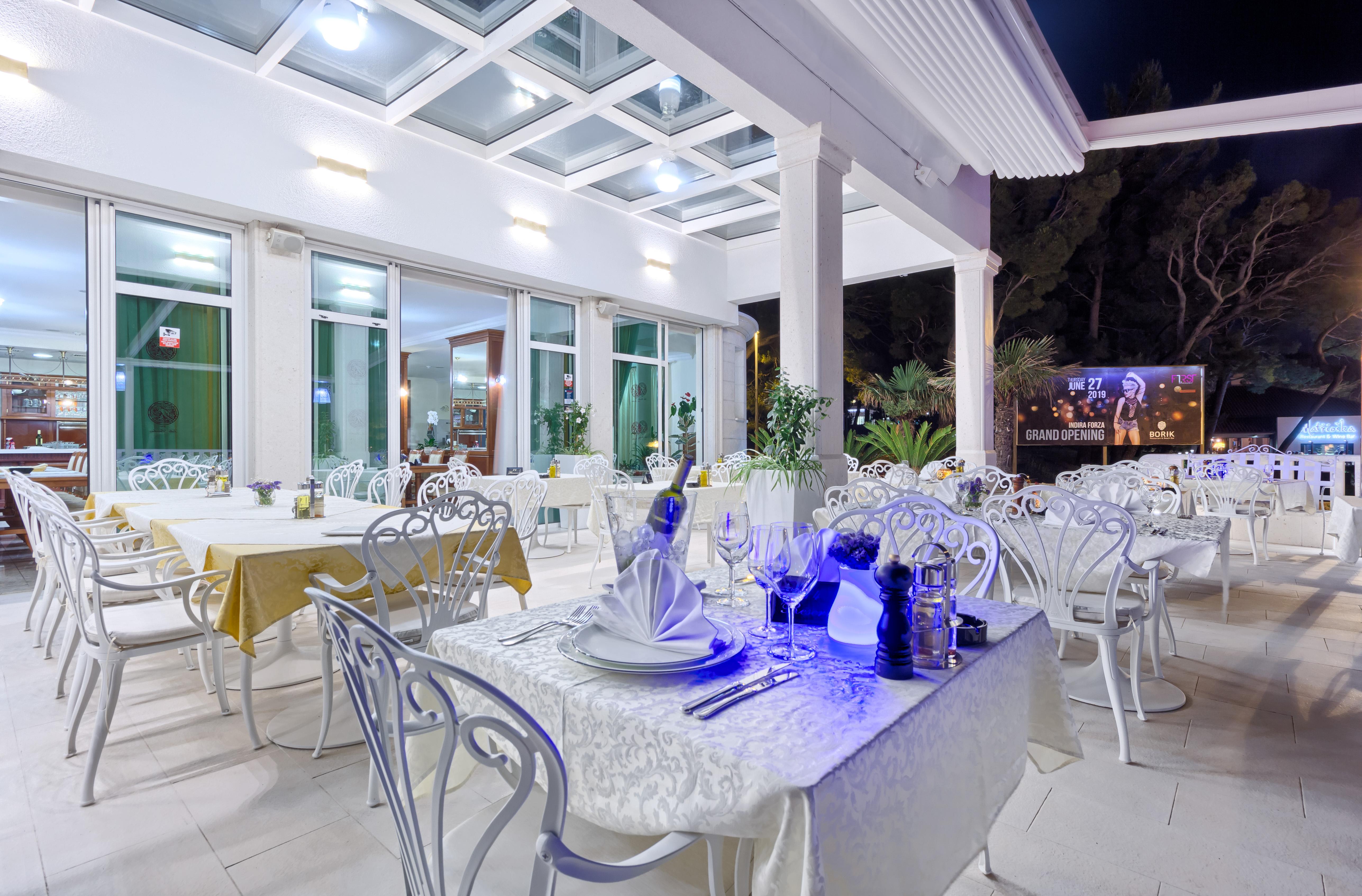 terasa stolovi